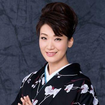 市川由紀乃・ダブル成人式記者会見.jpg