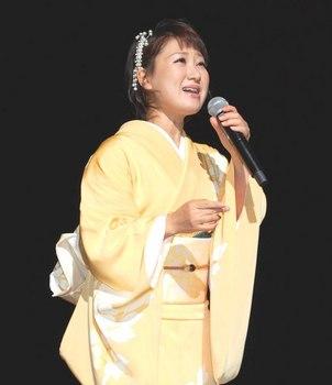 キングレコード歌謡選手権南九州地区大会・井上由美子.jpg