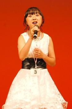 プラチナコース最優秀賞の村山紅愛さん(13歳).jpg