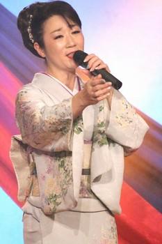 入山アキ子1.jpg