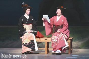 坂本冬美・泉ピン子2.jpg