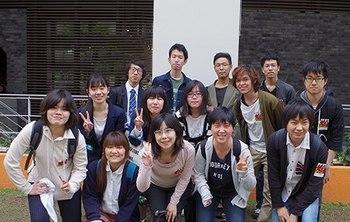 大阪アミューズメントメディア専門学校ノベルス学科の学生・集合写真.jpg