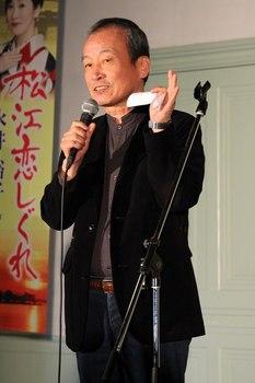 松江恋しぐれを作詞したさとうしろう氏.jpg
