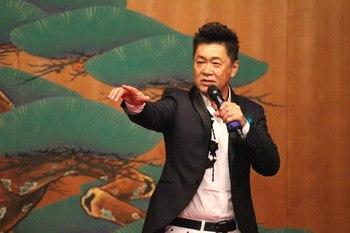 歌う王冠ライブ・たくみ稜.jpg