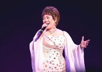 2018キングレコード歌謡選手権全国決勝大会・秋元順子.jpg